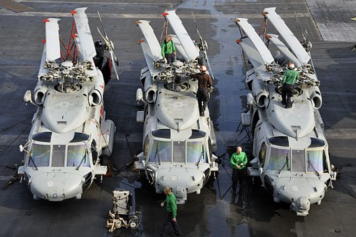 Lockheed Martin to oversee extensive avionics repair and overhaul on Navy MH-60R and MH-60S helicopters