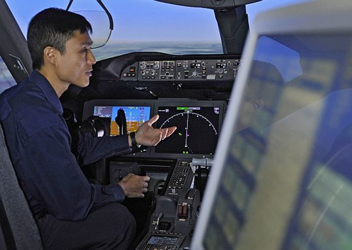 Surging Asia Pacific economies boost need for more than 400,000 new commercial aircraft pilots and technicians in next 20 years