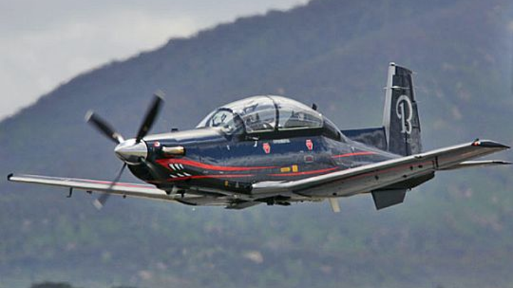 Hawker-Beechcraft delivers four high-performance military trainer aircraft to Mexican air force