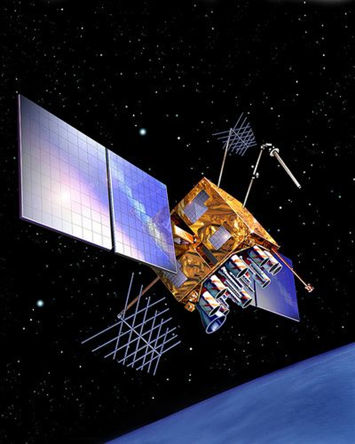 Content Dam Avi Online Articles 2013 04 Lockheed Satellite