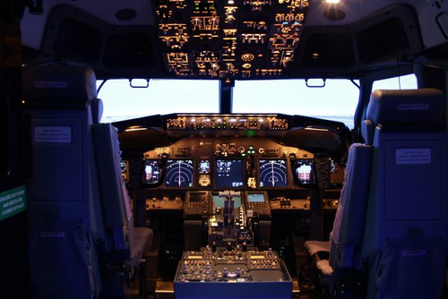 Boeing selects Mechtronix 737NG FFS X for 737 flight
