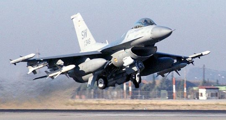 Lockheed Martin chooses rugged Gigabit Ethernet switches from Curtiss-Wright for F-16 jet fighter avionics upgrade