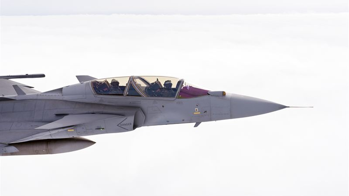 Saab completes flight test with Infra Red Search and Track for Gripen E