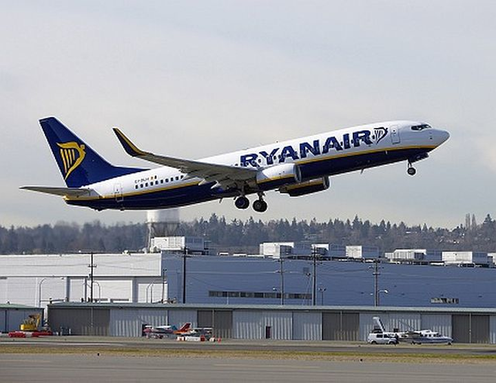 Ryanair orders Boeing Next-Generation 737 airliners, bringing outstanding order total to 180