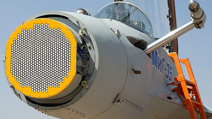 Wearable head-up display for EFVS commercial aircraft operations introduced by Elbit