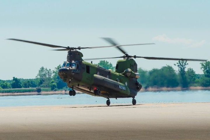Boeing delivers Canadian CH-147F Chinook helicopters ahead of schedule