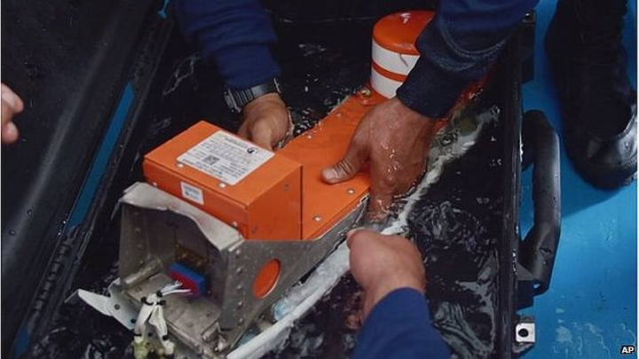 Flight data recorder and cockpit voice recorder recovered from AirAsia wreckage