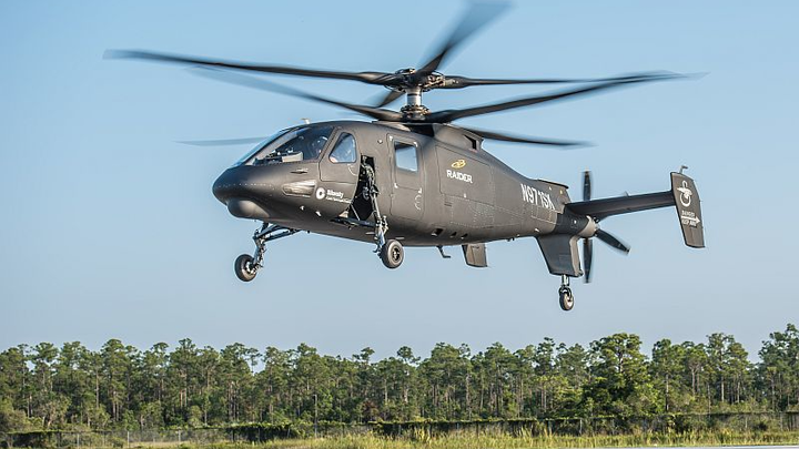 Sikorsky S-97 RAIDER helicopter achieves first flight
