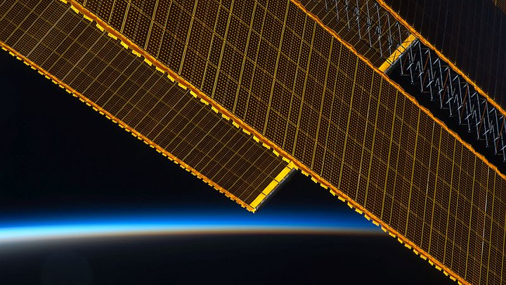 NASA awards solar array contracts, plans additional opportunities related to deep space exploration