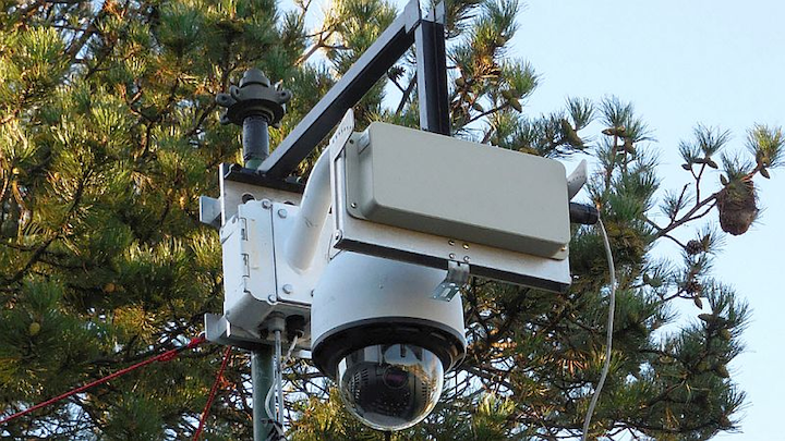Rockwell Collins perimeter surveillance radar tracks, records intrusions in all weather