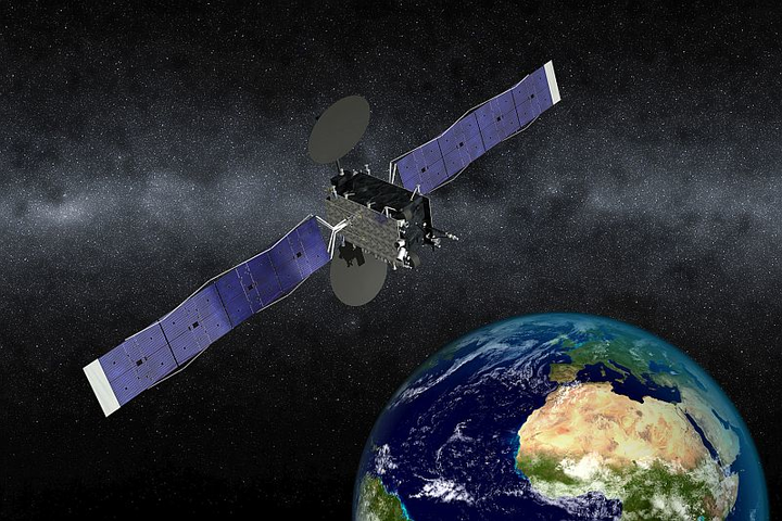 Airbus Defence and Space teams with Orbital ATK to build Eutelsat satellite on GEOStar platform