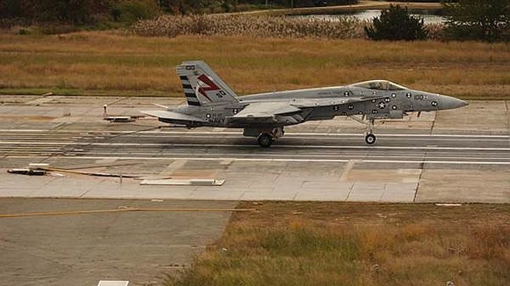 General Atomics Advanced Arresting Gear completes first fly-in aircraft recovery of F/A-18 Super Hornet during tests