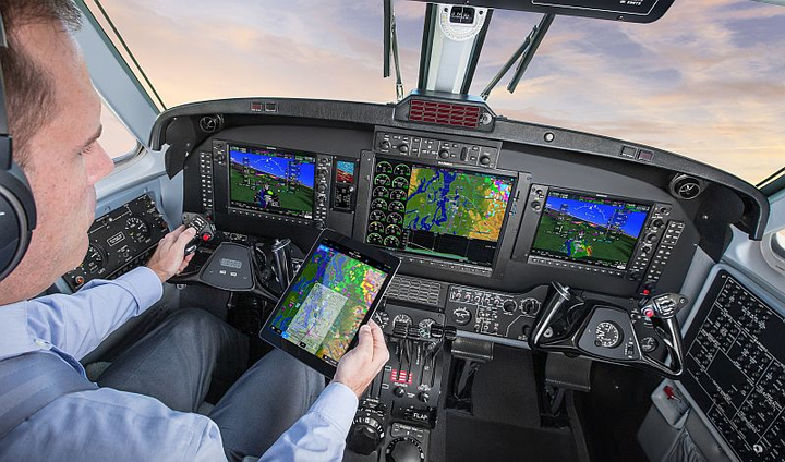 Garmin debuts G1000 NXi integrated flight deck enabling wireless cockpit connectivity