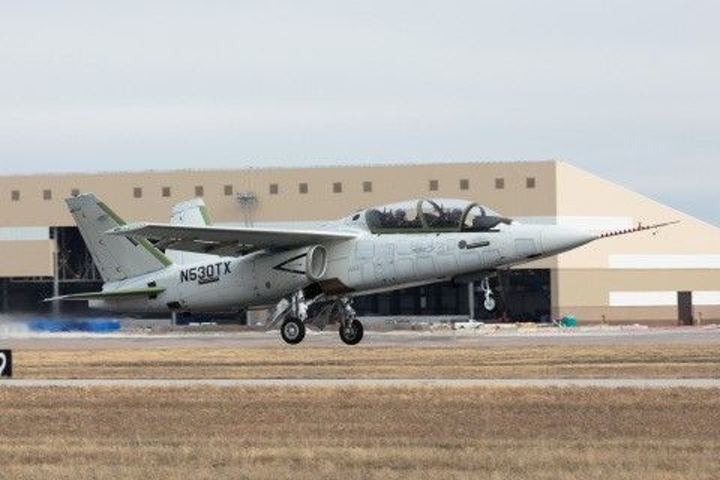First production-conforming Scorpion Jet military aircraft with Garmin avionics completes first flight