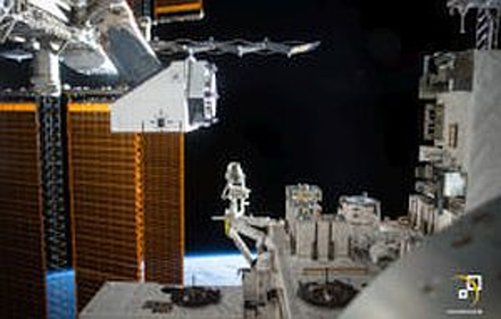 ISS astronauts swap electronics, sensor payload in NanoRacks platform for testing in extreme space environment