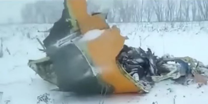 Regional jet crashes, burns in Russia soon after takeoff