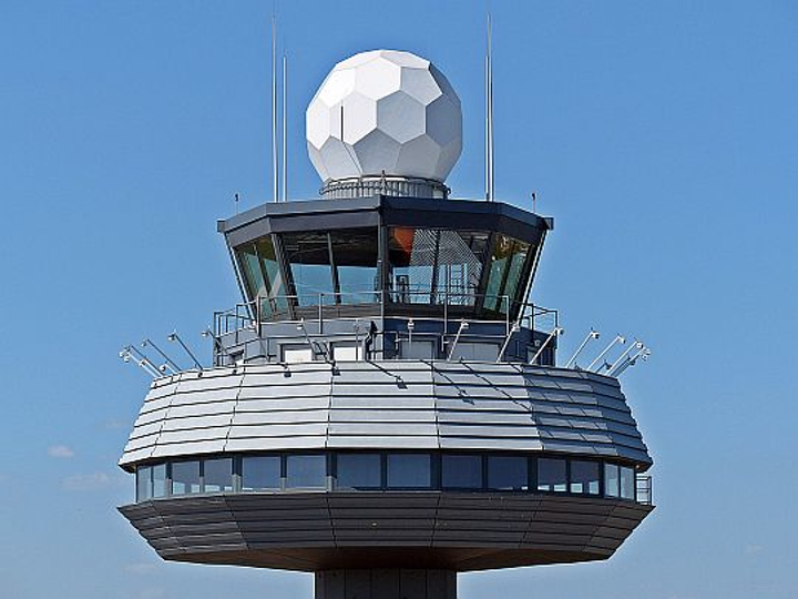 Air traffic controller union sues U.S. federal government over non payment of wages
