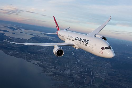 Qantas challenges Airbus and Boeing to enable the airline to fly nonstop from Sydney and Melbourne to London