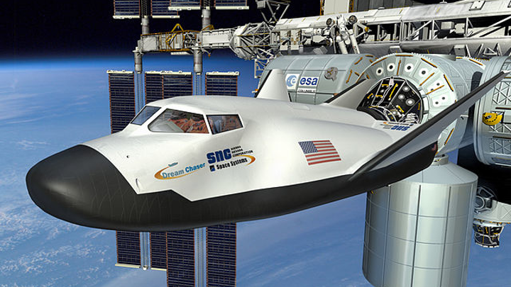 Rendering of a Dream Chaser at the ISS
