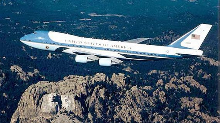 Content Dam Mae Online Articles 2014 11 Air Force One 6 Nov 2014