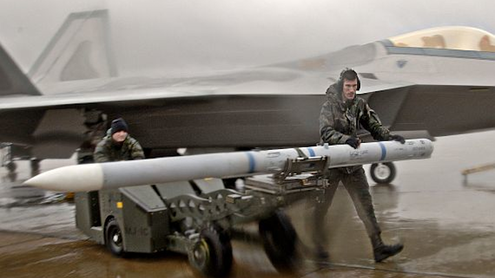 Raytheon wins $573 million U.S. Air Force contract for military fighter jet missiles