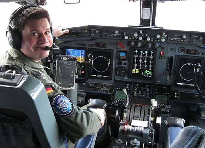 Content Dam Mae Online Articles 2016 08 Awacs Cockpit 1 Aug 2016