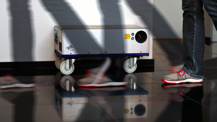 One potential area of collaboration, for example, is the development of a laser system for non-contact detection of explosives by DLR. The use of such a system at airports not only has very important security aspects but also affects the throughput speed of passengers during check-in processes, a current cause of bottlenecks at all airports.